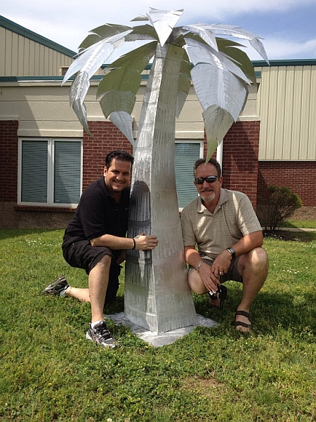 Metal outdoor sculptures, palm tree art, aluminum palm tree sculpture, viscardi designs, tony viscardi, outdoor art by pool, weather proof art work for outdoor use, palm tree art sculpture in aluminum, Palm tree art