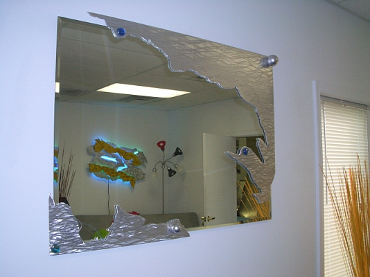 mirror in contemporary mirror style,mirros